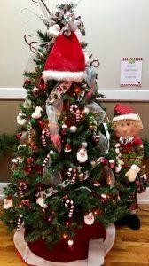 11-santas-elf-tree