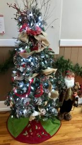 14-old-world-santa-tree